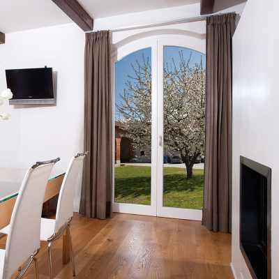 finestra-in-legno-navello